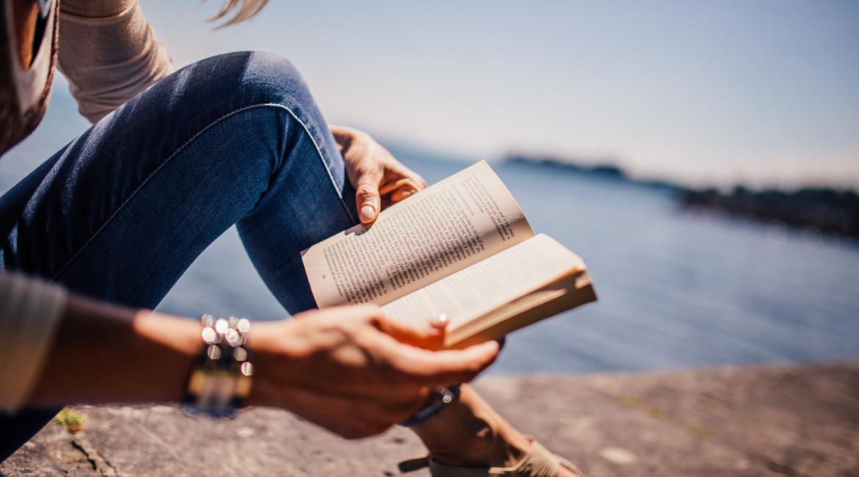 5 inšpiratívnych kníh, ktoré by ste si mali prečítať toto leto